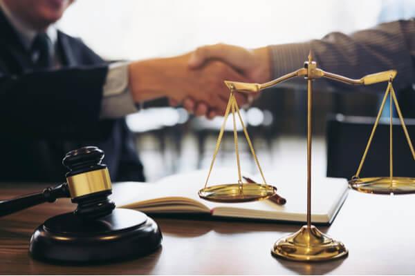 Brottmål och tvister kräver rätt advokat